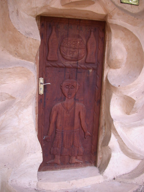 Wooden-Carved-door-e1470039813727